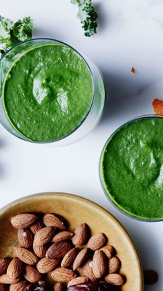 Almond, kale, and banana smoothie recipe: Start the day off right.