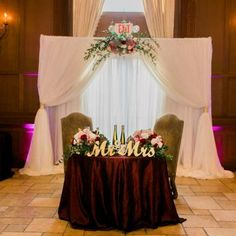 Red linens, gold and flower accents, and soft white curtain backdrop create a romantic sweetheart table Head Table Wedding, Wedding Table Linens, Fall Wedding, Our Wedding, Dream Wedding, Trendy Wedding, Wedding Couples, Wedding Venue Inspiration, Wedding Themes