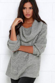 Grey Oversized Sweater ==
