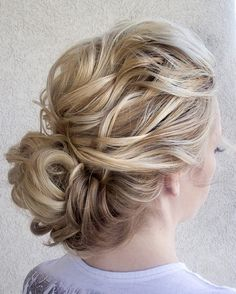 textured low updo ~ we ❤ this! moncheriprom.com