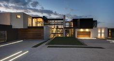 impressive house boz by nico van der meulen architects on world of architecture Gorgeous Modern Day Stone Residence On The Beach, Mexico arc. New Modern House, Modern Mansion, Modern House Plans, Modern House Design, Modern Houses, Home Design, Modern Architecture Design, Residential Architecture, Beautiful Architecture