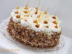.: Tort cu ciocolata, bezea si crema de lapte Romanian Desserts, Romanian Food, Sweets Recipes, My Recipes, Pastry Cake, Fancy Cakes, Caramel Apples, Chocolate Cake, Bakery