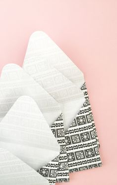 DIY Tribal Pattern and Envelopes - Maritza Lisa: Do you like the tribal trend? I'm loving it all - come join me and I will show you how to create your own tribal pattern and apply that pattern to your favorite stationery. Click through for the tutorial