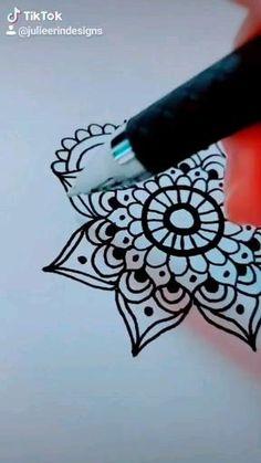 Mandala Sketch, Mandala Doodle, Mandala Art Lesson, Mandala Drawing, Doodle Art, Drawing Drawing, Zen Doodle Patterns, Mandala Pattern, Mandala Design