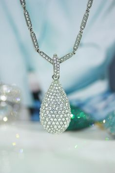 For elegant ones - with love Crystal Drop, Pendants, Crystals, Elegant, Diamond, Silver, Jewelry, Classy, Chic
