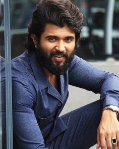 #kukkuuu Handsome Actors, Handsome Boys, Vijay Devarakonda, New Song Download, Telugu Hero, Vijay Actor, Boy Hairstyles, Men's Hairstyle, Beard Look