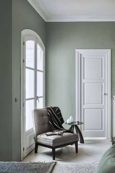 Green Room Colors, Green Rooms, White Rooms, Green Walls, Sage Living Room, New Living Room, Living Room Decor, Small Living, Bedroom Paint Colors