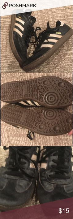 MENS ADIDAS SAMBAS SNEAKERS WOMENS SIZE 8.5 Pre loved men's size 7 adidas sambas sneakers- have discoloration as shown in photo as well as small pen stain and small dent /rip in shoe- not really a hole and not noticeable when worn. These flaws reflect price. Still have so much life and are perfect style for any outfit! Equivalent to a women's 8.5-9. Fast shipping follow for deals Adidas Shoes Sneakers