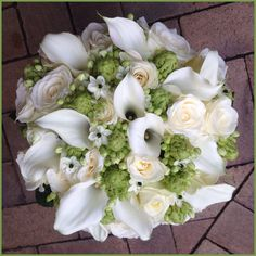 Bouquet with roses, callas and ornithogalum