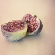 Mmmmm Figs! Love them lightly roasted with a little honey and goat cheese!
