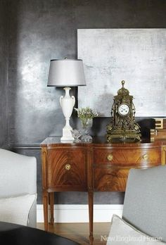Venetian Plaster, artwork and design blending nicely. Featured in New England Home mag. Classic Decor, Classic Chic, Gray Interior, Interior Design, Decoration Gris, Silver Walls, Gray Walls, Metallic Paint Walls, Silver Bedroom