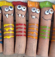 No, Crazy creatures gesichtet. Garden Crafts, Garden Projects, Clay Monsters, Sculpture Lessons, Clay Art Projects, Clay Houses, Magical Creatures, Art Club, Art Plastique