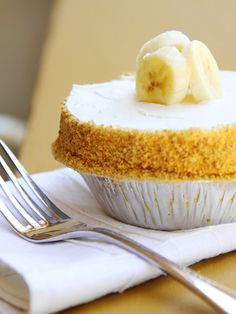 Recipe: Banana Cream Pie from Leoda's Kitchen and Pie Shop in Maui >> I had to share this because Leoda's makes the best pie I have ever tasted! #AnywhereAloha #PinUpLive