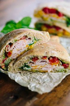 Homemade Hot Pocket Sandwiches with Turkey - Each flavorful portable serving is packed with wholesome ingredients like protein and vegetables! | jessicagavin.com