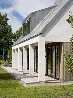 Villa in Zealand,© Jørgen True Modern Barn, Modern Farmhouse, Roof Design, House Design, Zinc Roof, Mansard Roof, Flat Roof, At Home Store, Facade