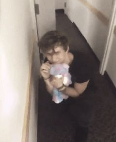 OK AT FIRST I THOUGHT ASHTON WAS SO CUTE AND INNOCENT BUT THEN I'M LIKE WTF LITTLE PONY