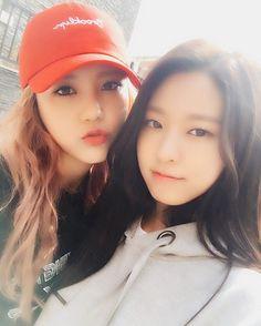 Hyejung y seolhyun de AOA