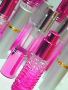 かわいいスプレー容器。  ピンクが一番人気!