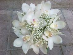 ramo de orquidea y paniculata.....romantico