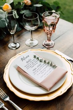 wedding table - photo by Plum and Oak http://ruffledblog.com/a-california-garden-wedding-with-romantic-florals