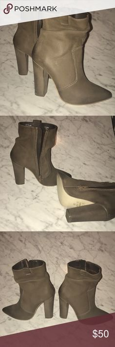 2dda96cfb59 Shop Women s Steve Madden Tan size Ankle Boots   Booties at a discounted  price at Poshmark. Description  Taupe chunky heel booties with box worn  once.
