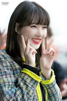 Kpop Girl Groups, Korean Girl Groups, Kpop Girls, Sinb Gfriend, Cloud Dancer, G Friend, Sexy Hot Girls, Korean Singer, Ultra Violet