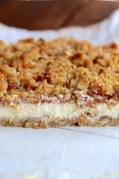 Apple cheesecake with crumble-Æble cheesecake med crumble Apple cheesecake with crumble - Delicious Desserts, Yummy Food, Apple Cheesecake, Cake Recipes, Sweet Treats, Deserts, Food Porn, Sweets, Snacks