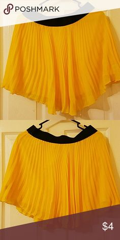 Pleated yellow skirt Pleated yellow skirt. Very comfy! Like new Skirts Mini