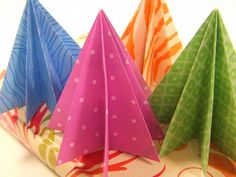 paper christmas trees (with tutorial)