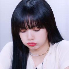 Blackpink Lisa, Kim Jennie, Memes Do Blackpink, Blackpink Icons, Lisa Blackpink Wallpaper, Kim Jisoo, Black Pink Kpop, Blackpink Photos, Kpop Outfits