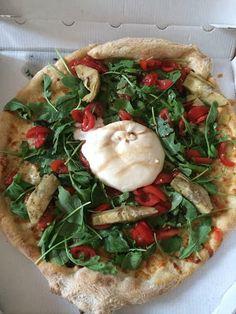 Burrata, balsamic vinegar cream, artichoke, rocket and cherry tomato pizza from l'Atelier de Julien in Nice