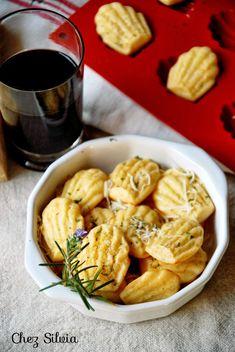 mini madeleines de parmesano y romero. aperitivos. silikomart chez silvia