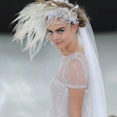 Chanel 2014, kara in feather dress hat