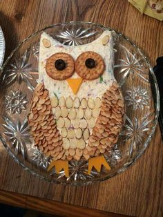 Owl Cheese Ball for an Owl Baby Shower Food Idea Snacks Für Party, Appetizers For Party, Owl Party Food, Crowd Appetizers, Appetizer Dessert, Party Trays, Halloween Appetizers, Appetizer Recipes, Owl Food