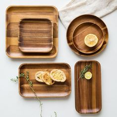 boho chic Wooden Tray Dinner Plate Acacia Round Square Rectangle-in Dishes Wooden Plates, Round Wooden Tray, Wood Tray, Dish Sets, Wooden Kitchen, Kitchen Items, Kitchen Ware, Kitchen Essentials, Food Plating