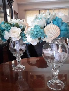 Beach Bouqet Centerpiece with Floating Candles-Wedding-Seashells-Bridal Shower-Party-Engagement-Anniversary-Flowers- – Floating Candles İdeas. Mardi Gras Centerpieces, Floating Candle Centerpieces, Wedding Table Centerpieces, Bridal Shower Party, Bridal Shower Decorations, Wedding Decorations, Apothecary Jars Decor, Mesas Para Baby Shower, Floating Candles Wedding