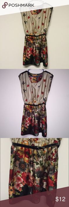 Forever 21 Silky Floral Tunic Mini Dress w/ Belt Only worn, maybe twice! Tags were removed, but it was purchased from Forever 21 and it's a size Medium. There are no flaws or defects. Light, silky material with elastic waist and black belt. The belt has a crack in it, but it's hardly noticeable and still works as it should (could easily be replaced with another). Flattering to many figures! Perfect with leggings/tights for the Fall. Hits around mid-thigh. Forever 21 Dresses Mini