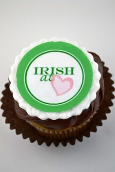 st patrick's cupcakes www.sweetology101.blogspot.com