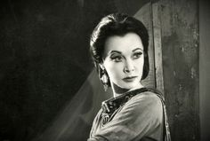 Vivien Leigh as Lady MacBeth at Stratford-upon-Avon, 1955- ooh I bet she made a great Lady McBeth!