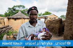 Poród w Mali to zagrożenie życia dla kobiety. Wiele mam umiera rodząc w domu lub w drodze do szpitala. Wtedy to ojciec lub babcia muszą zatroszczyć się o maleństwo. A wystarczy, że wyposażymy położne w zestaw do bezpiecznego porodu. Możesz pomóc na https://www.unicef.pl/afryka.