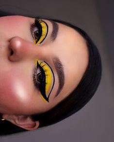 Edgy Makeup, Makeup Eye Looks, Eye Makeup Art, Cute Makeup, Eyeshadow Makeup, Beauty Makeup, Yellow Makeup, Colorful Eye Makeup, Maquillage Harry Potter