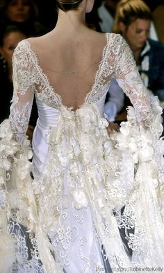 The world needs more flowing lace