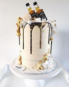 30th birthday cake! 😜 18th Birthday Cake For Guys, Alcohol Birthday Cake, Birthday Drip Cake, Alcohol Cake, Dad Birthday Cakes, 30 Cake, 21st Cake, Barrel Cake, Modern Cakes