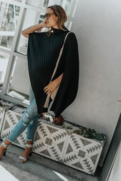 A Chic Cover that Doubles as a Nursing Cover - Shalice Noel Trendy Outfits, Winter Outfits, Summer Outfits, Summer Dresses, Spring Fashion, Winter Fashion, Pregnancy Style, Bump Style, Maternity Fashion