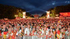 Party auf Fanmeile - oder Urlaub: DFB-Team würde Titel wieder in Berlin feiern