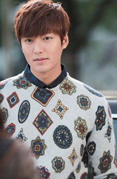 If every guy looks this good in sweaters with such feminine prints. Heirs Korean Drama, Korean Drama Stars, Korean Star, The Heirs, Choi Jin Hyuk, Kang Min Hyuk, Lee Min Ho Kdrama, Lee Min Ho Photos, Kdrama Actors