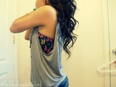 Loose grey tank top with floral bandeau. My summer look exactly!