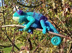 Chameleon Puppet - free crochet pattern by Annette Brausch.