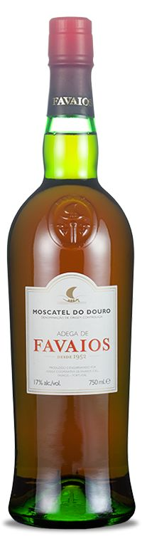The Adega de Favaios Moscatel Douro is a sweet #wine made exclusively from grapes of the Moscatel Galego variety. A drink of secular traditions in the Douro. Conveys the intense aroma of the variety that it is based and its flavor with hints of honey and jam, make it the bastion of Favaios region. A pleasant appetizer or accompaniment to an dessert.