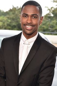 Big Sean — née Sean Michael Leonard Anderson — rose to fame in 2011 with the release of Finally Famous, and since then, he's become one of Victorious Cat, Cat Valentine Victorious, Celebrity Travel, Celebrity Dads, Ariana Grande Facts, Sam And Cat, Jason Derulo, Black Celebrities, Big Sean